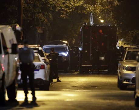 Philadelphia gunman in custody after hourslong standoff
