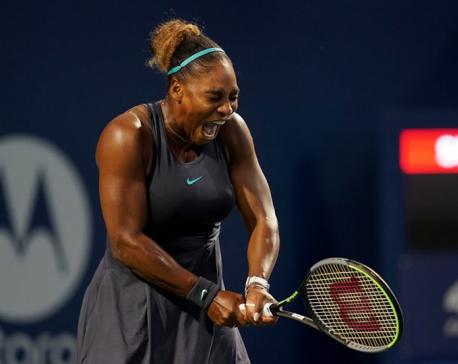 Serena rolls past Osaka in Toronto, Halep retires