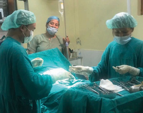 Rolpa doctors perform cesarean delivery with mobile flashlights