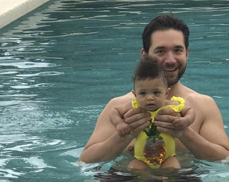 Reddit co-founder pushes hard for paternity leave