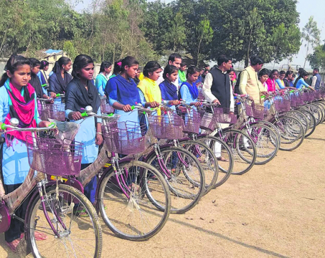 Paroha Municipality gifts bicycles to more than 150 girls