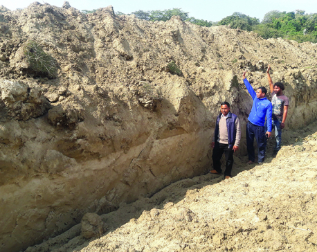Indian embankment puts 1,300 families at risk of inundation in Kailali