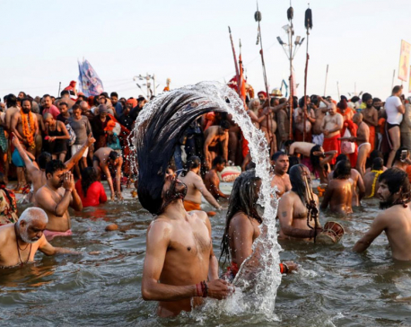 As India election looms, politics infiltrates the world's biggest religious festival