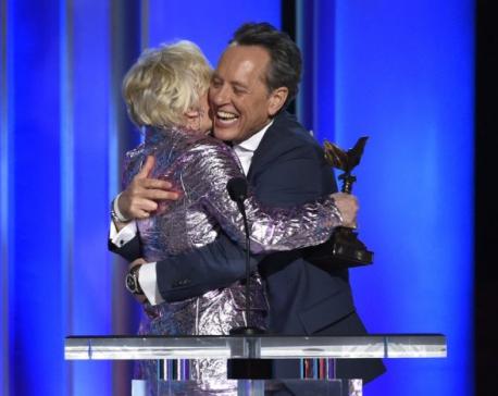 Stars reflect on awards season at last show before Oscars