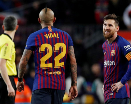 Inspirational Messi rescues draw for Barca in thrilling comeback against Valencia