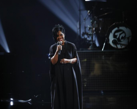 Gladys Knight defends decision to sing U.S. anthem at Super Bowl