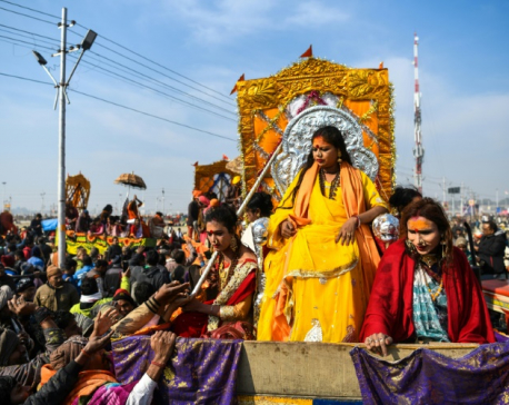 India's transgenders take first Kumbh Mela dip