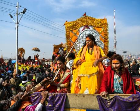 India's transgenders take first Kumbh Mela dip