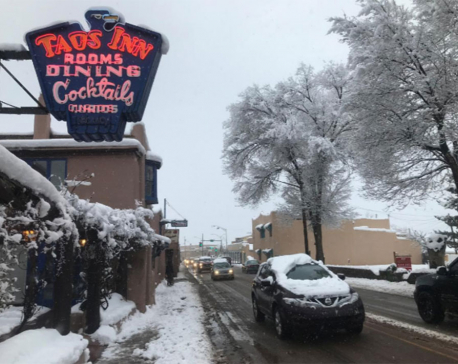 Snowstorm targets Washington, at least five dead in U.S. Midwest