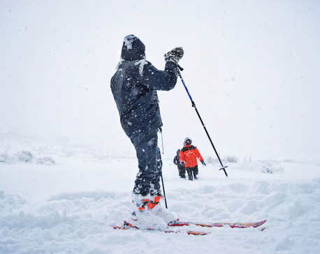 Snow-skiing in Humla