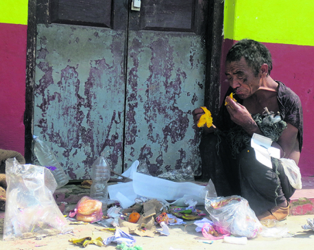 Homeless man struggling on streets of Libang since two decades