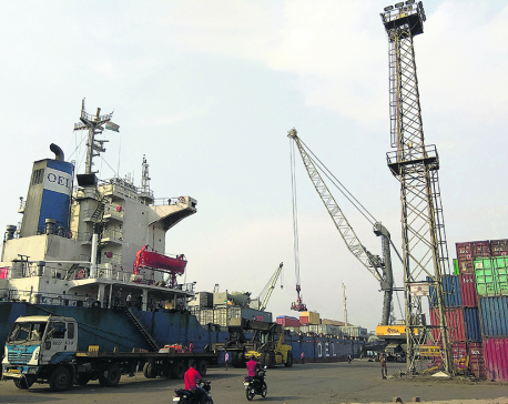 Int'l shipping firms court importers as trade volume goes up