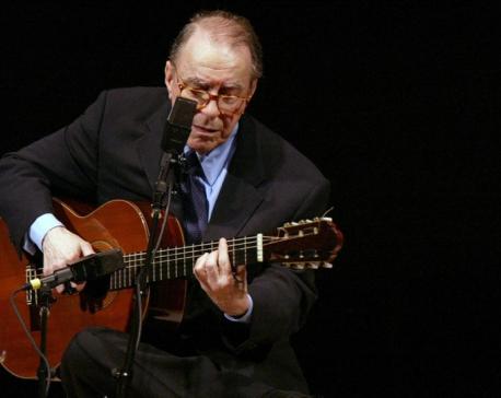 Brazilian bossa nova pioneer Joao Gilberto dies at 88
