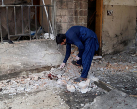 Female suicide bomber kills eight in northwest Pakistan