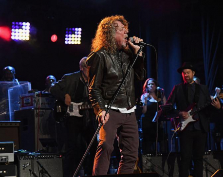 Robert Plant plays 'Immigrant Song' for the first time in 20 years