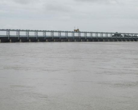 Water level decreasing in Saptakoshi River