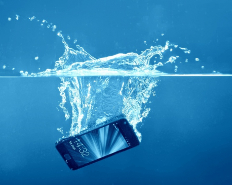 How to save your phone if you dropped it in water