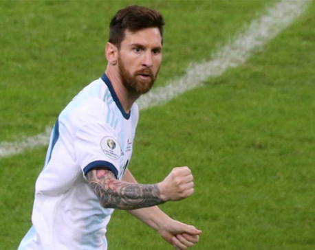 Messi scores penalty while Armani saves one in lucky draw for Argentina