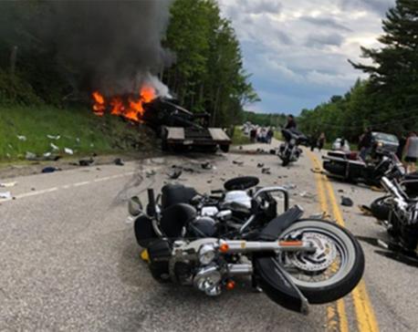 7 dead in crash between truck, motorcycles in New Hampshire