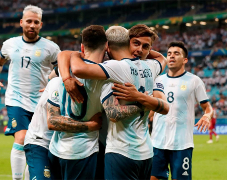 Argentina beat Qatar 2-0 to qualify for Copa America last eight