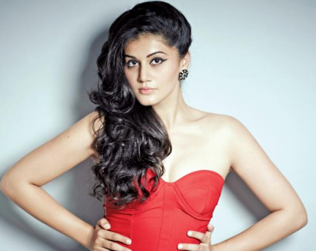 Taapsee prefers bruised hands over wearing chiffon sarees in snow!