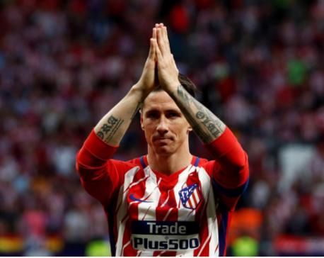 Spain striker Torres retires from soccer