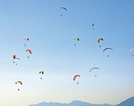 Service resumes after paragliding companies agree to pay tax