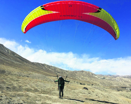 Private sector authorized to supervise paragliding flights in Pokhara