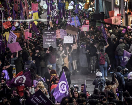 Women's Day unites activists, Turkish police break up crowd with tear gas