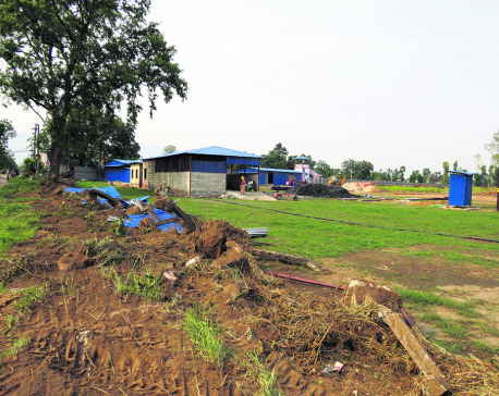 Locals tear down fence of Gautam Buddha Stadium site