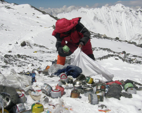 Over 10 tons waste removed from Everest since April