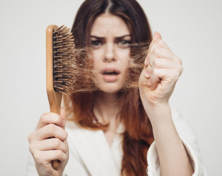 7 Tips to control hair fall this monsoon