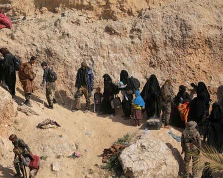 Islamic State suspects sent by U.S. from Syria to Iraq