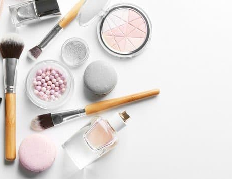 5 lazy girl makeup hacks to transform your mornings