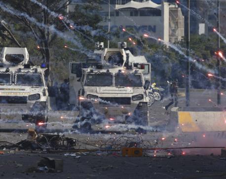Clashes rock Venezuela as Guaido, Maduro vie for power