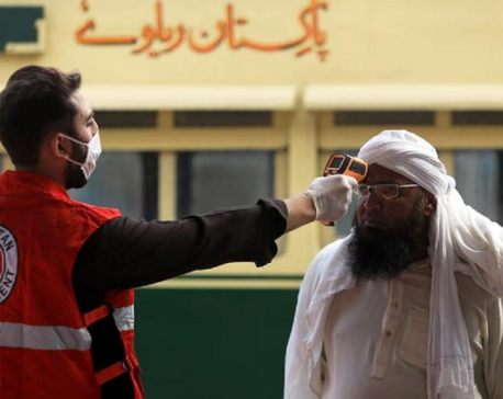 Pakistan urges calm as coronavirus cases surge, Sri Lanka stops flights