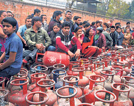 Shortage of cooking gas continues despite NOC adopting measures to ease supply