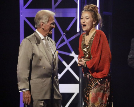 Crossover artist Lauren Daigle reigns at Dove Awards