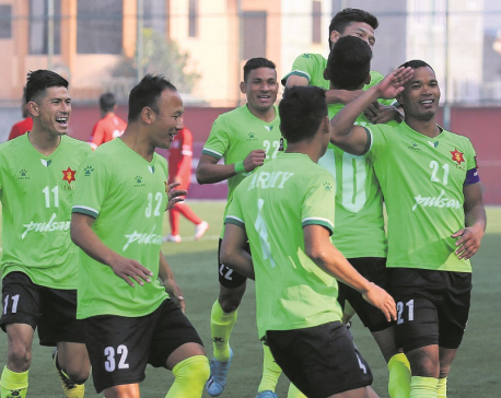 Khawash reaches 50-goal mark as title race goes down to the wire