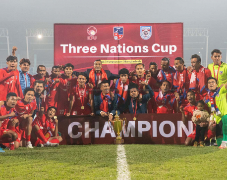 Govt provide Rs 400,000 each to Nepali national football players on winning Three Nations Cup