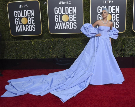 Stars returned to looks in color on the Golden Globes carpet