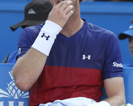 Murray out on day of 1st-round shocks at Queen's