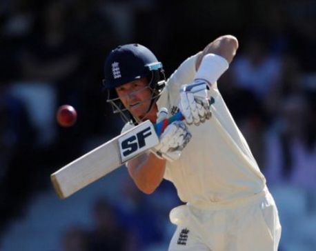 England extend lead in final Ashes test