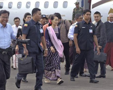 Suu Kyi visits Myanmar region torn by Rohingya conflict