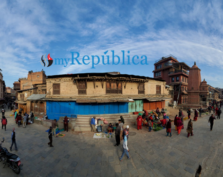 Defying lockdown, people flock to streets, shops in Bhaktapur (with photos)