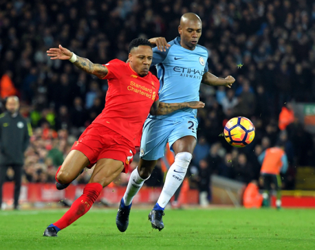 Chelsea gets 13th straight win, Liverpool maintains pursuit