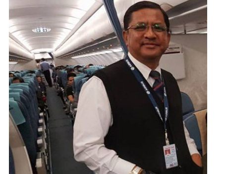 NAC makes mockery of currency law for pilots