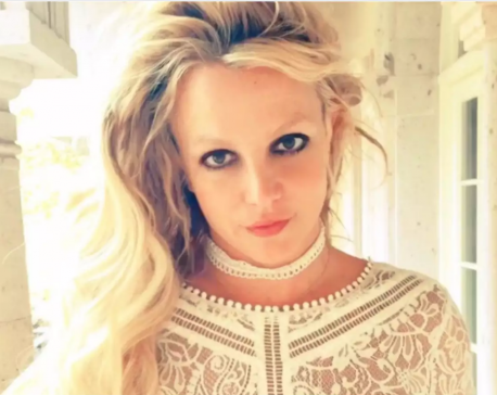 Britney Spears offers to help fans struggling due to coronavirus