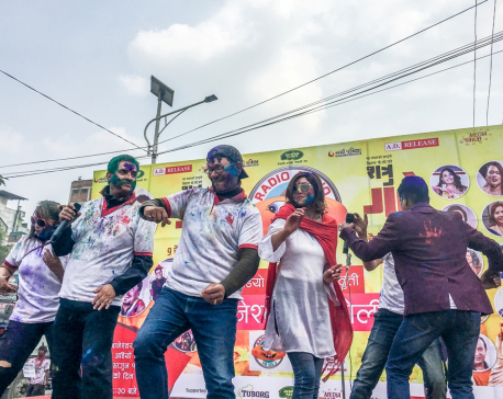 In pictures:  Celebrities mark Holi at Baneshwar