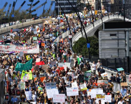 'Save our future': Striking students demand global climate action (with photos)